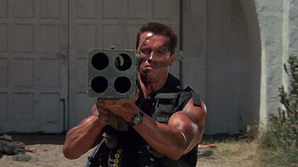 Commando  Трудно е да си представим, че може да съществува по-екшън филм от Commando. Наистина е изпълнен с всичко, което може да иска един 14-годишен тийнейджър от 80-те - чудовищни алфа мъжкарски бицепси на Арнолд Шварцнегер, абсурден брой експлозии, неизчерпаемо количество муниции и безкомпромисно насилие срещу лошите. Само за протокола - Шварценегер избива над 80 души в рамките на 90 минути (Сталоун убива само 55 в Рамбо 2 ха-ха). Всичко е просто толкова хиперболизирано, че просто няма как филмът да не се превърне в тотална класика.