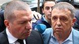 Днес бизнесменът заяви, че фурмите са дарени на Българския червен кръст