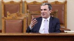 Пламен Орешарски подава оставка в края на месеца, но избира кога