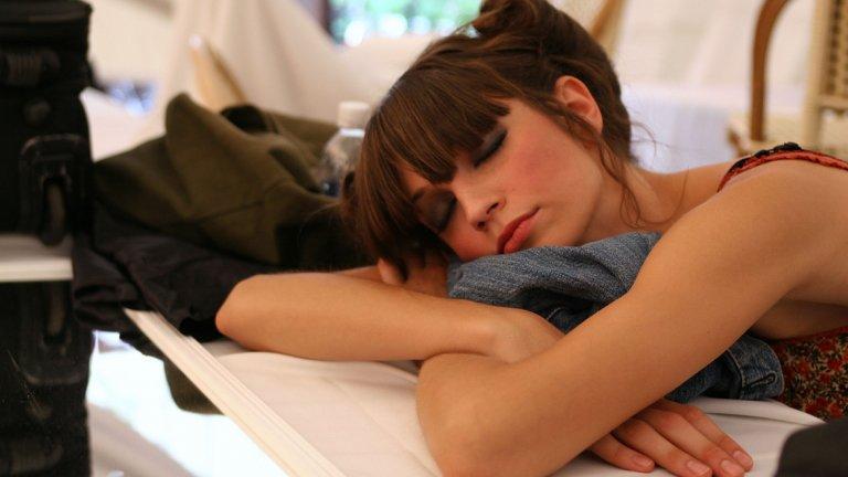 Честите дремки не могат да заменят няколкочасов сън