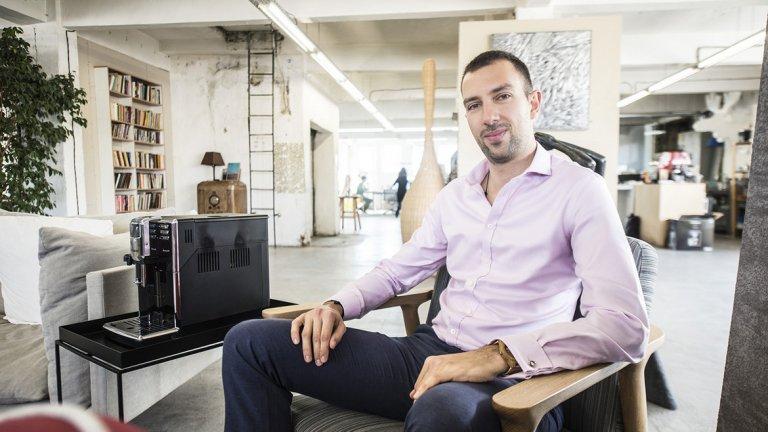 Атанас Райков от Viber в един разговор на живо за виртуално общуване