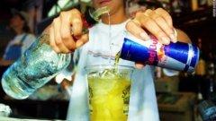 Учените доказват, че смесването на енергийна напитка с алкохол е опасно