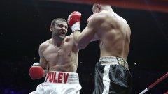 Тервел Пулев има 4 победи с КО в четирите си професионални мача досега