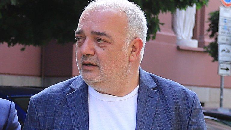 Според него налице е въпросът кой иска да изтощи партиите на протеста с нови избори