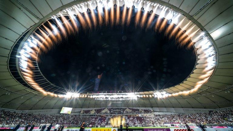 Първият стадион за Световното първенство през 2022 година в Катар вече е напълно готов.