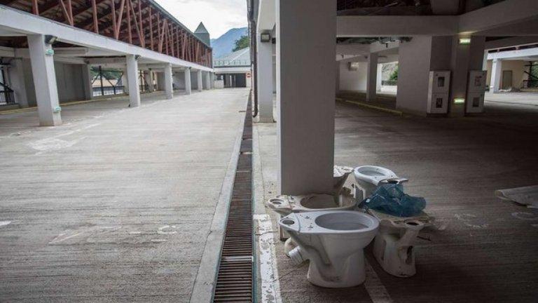 Скоро неразопакованата тоалетна чиния ще се превърне в символа на Сочи