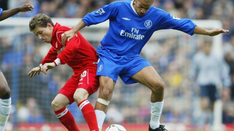 Хуан Себастиан Верон Аржентинецът не успя да блесне по английските терени нито с екипа на Манчестър Юнайтед, нито с този на Челси. Когато дойде Моуриньо, Верон бе преотстъпен на Интер. Отказа се през 2016-а като играч на Естудиантес.
