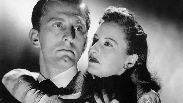 """""""Странната любов на Марта Айвърс"""" (The Strange Love of Martha Ivers, 1946)   Отношенията, формирани в детството, водят до убийства и обсебваща любов. Богатата Марта Айвърс (Барбара Стануик) е основният двигател на малко градче в Пенсилвания. Тя живее в огромно имение със съпруга си Уолтър О'Нийл (Кърк Дъглас), който е алкохолик. Актьорът е убедителен в ролята на изгубен, тъжен и слаб мъж, който обича жена си, но не е в състояние да спечели уважението й. Никой не знае какво свързва Марта и Уолтър, но Сам Мастърсън (Ван Хефлин) – момче, което се завръща в града, може да има представа. Каква тъмна, ужасна тайна обвързва Марта и Уолтър?"""