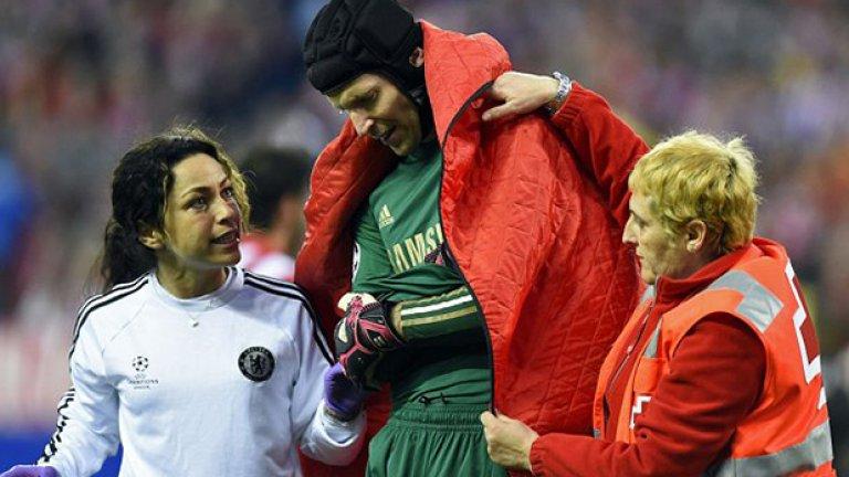 Ева Карнейро отдавна е доказала качествата си главен лекар на Челси. От 2011 г. насам, откакто заема позицията, отборът е в достатъчно добра форма, за да спечели няколко титли, включително купата на Шампионската лига (2011/2012) и Лига Европа (2012/2013).