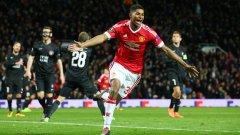 Маркус Рашфорд започна двубоя на мястото на контузилия се на загрявката Антони Марсиал и направи мечтан дебют, отбелязвайки два гола