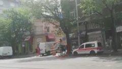 Колата на Спешна помощ е спряла на велоалеята
