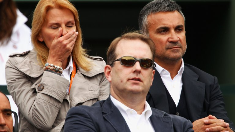 Най-големият враг на родителите на Джокович се нарича Роджър Федерер. Швейцарецът обиди Ноле преди 14 години и това все още се помни от родителското тяло на Новак