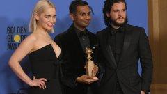 Емилия Кларк и Кит Харингтън от Game of Thrones заедно с победителя в категорията за най-добър актьор в комедиен сериал Азис Ансари