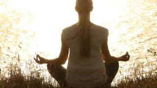 """Какво научих от пропадането си в """"заешката дупка"""" на медитацията"""