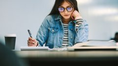 Загубена кауза за учителите ли е ръкописът?