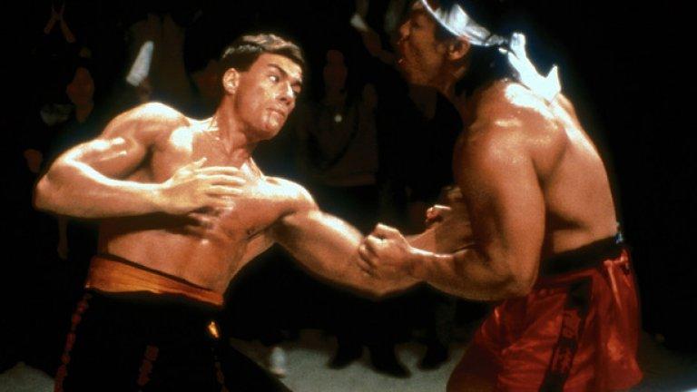 """""""Кървав спорт""""  Във филмово отношение 80-те години на миналия век функционират като върховната фитнес стимулация. Това е период на фетишизиране на релефните тела, където сексуалната сугестия на физическата форма е изведена до арт форма."""
