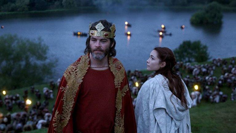 Робърт I в Outlaw King (2018 г.)  В историческата драма, която е част от каталога на Netflix, американецът Пайн влиза в неочаквана роля - той е шотландският крал Робърт I Брус, който започва бунт срещу контрола на английския крал Едуард I. Outlaw King в никакъв случай не е най-добрият филм на актьора, но ще ви позволи да го видите в една по-различна светлина.