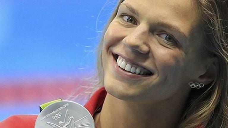 В Рио Ефимова спечели два сребърни медала - на 100 и 200 м гръб