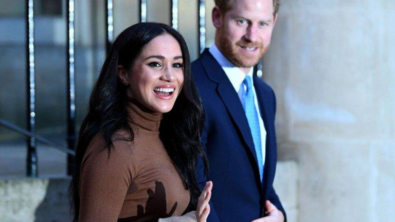 """Кралица Елизабет II намери разговорите около желанието на двойката да стане """"финансово независима"""" за конструктивни."""