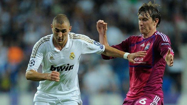 Карим Бензема, Реал Мадрид Още един известен нападател, който е готов да си тръгне от Реал. Тук съперник за подписа на французина ще е Арсенал, но Бензема определено има качествата да замести Рууни.
