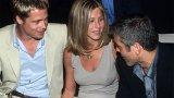 Дженифър Анистън, Брад Пит и Джордж Клуни са сред звездите, които аплодират Шева по време на ревюто на Армани.