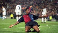 44-годишният Клуйверт в момента е директор на академията на Барселона.