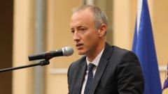 Според Красимир Вълчев училищата се справят с организацията предвид ситуацията с епидемията