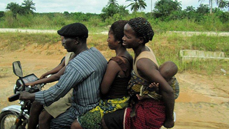 Много мъже в Нигерия са полигамни и имат по няколко жени. Такъв бил и случаят на Уроко, който имал 6 жени, но по едно време започнал да си ляга само с най-младата от тях. Другите се почувствали пренебрегнати и изготвили план. Една вече го заставили да прави секс с всяка една от тях, преди да отиде при любимката си. Преди петата обаче човекът изнемогнал и така през 2012-та година вестта за неговата куриозна смърт обиколи световните медии.