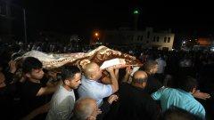 Сблъсъците между палестински младежи и полицията са започнали след последната петъчна молитва от свещения за мюсюлманите месец Рамазан