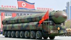 Вижте още снимки от военния парад в Пхенян в галерията