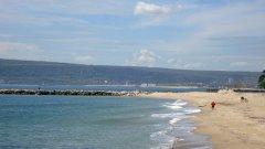 Водата на Офицерския плаж във Варна е най-замърсена - поне според пробите, събрани от водите на 23 плажа в района