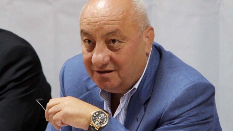 Защо ръководството на БСП успя да изгони пловдивския бизнесмен, който през 2016 г. се оказва решаващ фактор за избирането на Нинова за лидер