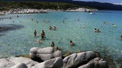 Българският летовник по гръцките плажове най-после отново си намери любимия домашен дух от някогашното ни Южно Черноморие