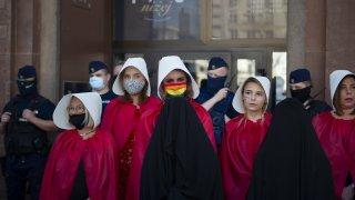 След почти пълното криминализиране на абортите, сега на дневен ред е оттеглянето на страната от Истанбулската конвенция