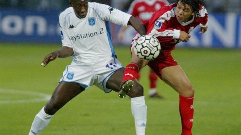 Марсело Гаярдо, мачове за Монако: 103 Не само спечели титлата, но Галардо бе определен и за играч на сезона в края му. След идването на Дидие Дешан обаче халфът се завърна в Ривър Плейт, откъдето дойде, където носи капитанската лента в продължение на пет сезона. След това игра картко за ПСЖ, Ди Си Юнайтед, отново Ривър Плейт и приключи кариерата си в Насионал. Там започна и треньорската си кариера, а сега е начело на Ривър Плейт, с който вече има осем спечелени трофея.