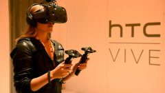 2016-а вече е наричана годината на виртуалната реалност. Наистина през следващите месеци големите VR продукти ще дебютират на пазара - но изглежда в началото ще са твърде скъпи и няма да предлагат достатъчно съдържание, за да спечелят масовата публика