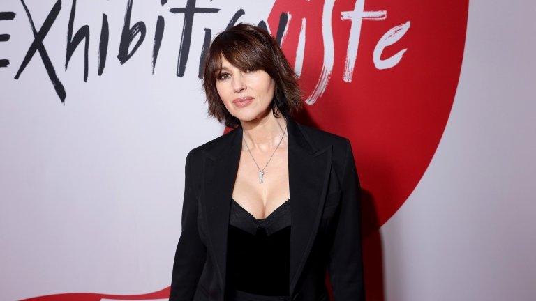 """Белучи е полиглотОсвен италиански, Белучи говори перфектно френски и английски, а за филма """"Сезонът на носорозите"""" (2012 г.) на иранския режисьор Бахман Гобади тя научава и фарси."""