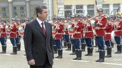Президентът Георги Първанов прие за последен път като главнокомандващ военния парад на Българската армия