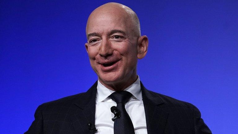 Петиции набелязват основателя на Amazon с абсурдни искания спрямо него