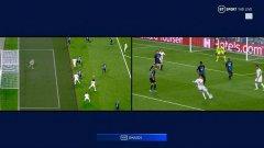 Първоначално изглеждаше, че Рамос е в засада при гола за 1:2, но ВАР показа, че футболист на гостите го е покривал