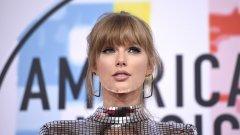 """Певицата споделя опита си в есе за списание """"Elle"""""""