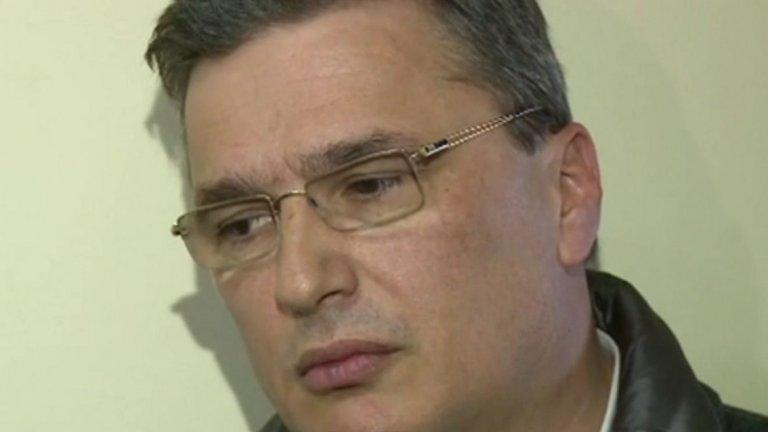 Свидетелят по делото за КТБ твърди, че е бил инструктиран от Цветан Василев да носи пари на Иван Костов