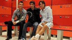 Рафаел Надал с двама от футболистите на Реал (Мадрид) - Кристиано Роналдо и Раул