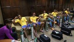 Бразилските футболисти преди двубоя срещу Боливия