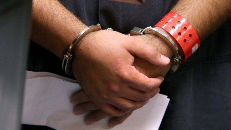 Преди да бъде задържан, мъжът е бил пребит от търговци, от които е опитал да открадне тикви