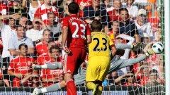 В последния мач между Ливърпул и Арсенал (1:1) вратарят на мърсисайдци Хосе Рейна спаси доста положения, но и си вкара автогол
