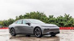 """Xpeng има нескритата амбиция да е """"китайската Tesla"""" и засега се справя повече от добре"""