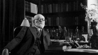 Зигмунд Фройд (1856-1939)   Основателят на психоанализата първоначално следва медицина в Университета във Виена. Фройд се специализира в изследване на анатомията на човешкия мозък, а по-късно идва и интересът му към изследването на психиката и поведението на хората. Теориите на австрийския учен се превръщат в базата на модерната клинична психология.