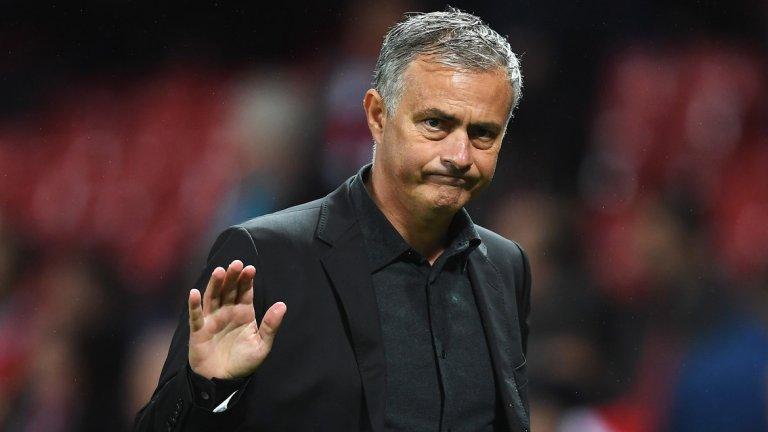 """Жозе Моуриньо (Манчестър Юнайтед)  Естествено, че на първо място стои уволнението на Специалния, въпреки че дойде в края на годината. Най-лошият старт на Юнайтед в първенството от сезон 1990-91 насам нямаше как да не доведе до реакция от Ед Удуърд. С Моуриньо начело клубът привлече общо 11 играчи за близо 400 млн. паунда, но почти всички те се оказаха разочарования, а """"червените дяволи"""" останаха далеч от върха като игра и резултати. Всъщност краят на Моуриньо в Юнайтед изглеждаше много близо от месеци и феновете просто въздъхнаха с облекчение, когато португалецът най-сетне си тръгна."""