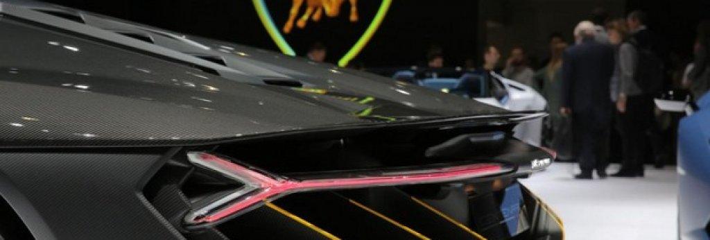 Крилото отзад и дифузьорът осигуряват още притискане при висока скорост